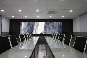 Seamless video wall in a large meeting room
